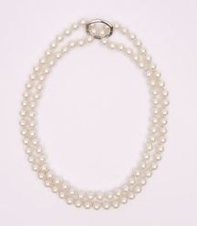 Big Charms- pearl necklace with shortener, 95 cm - white